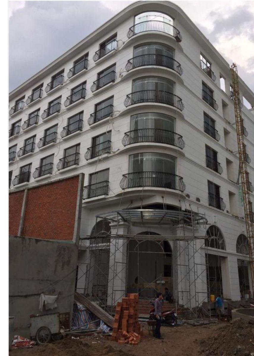 Công trình lắp đặt  kính cường lực cho khách sạn kiêm văn phòng tại quận Tân Bình